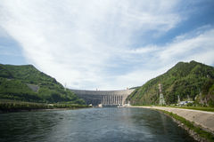 Υδρο σταθμός παραγωγής ηλεκτρικού ρεύματος sayano-Shushenskaya στον ποταμό Yenisei Στοκ Εικόνες