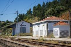 Φάντασμα σιδηροδρομικών σταθμών σε Mouriscas, Ribatejo, Santarém, Πορτογαλία στοκ εικόνες