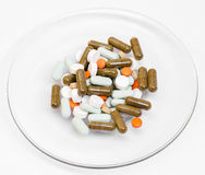 Φάρμακα, ιατρική σε ένα πιάτο στοκ φωτογραφία με δικαίωμα ελεύθερης χρήσης