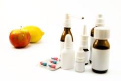 Φάρμακα και φρούτα Στοκ Εικόνες