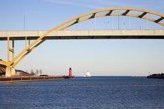 φάροι γεφυρών κάτω στοκ εικόνες με δικαίωμα ελεύθερης χρήσης