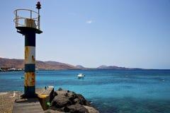 Φάρος και αποβάθρα arrecife teguise Lanzarote Ισπανία Στοκ Εικόνα