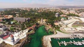 Φάρος και μαρίνα της εναέριας άποψης του Κασκάις Πορτογαλία απόθεμα βίντεο
