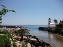 Φάρος στην ακτή του Κασκάις σε ένα ηλιόλουστο απόγευμα (Πορτογαλία) Στοκ Φωτογραφίες