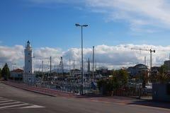 Φάρος στην αποβάθρα Στοκ φωτογραφία με δικαίωμα ελεύθερης χρήσης