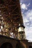 Φάρος στη χρυσή γέφυρα πυλών Στοκ φωτογραφία με δικαίωμα ελεύθερης χρήσης