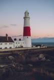 Φάρος στο ηλιοβασίλεμα στην ακτή του Πόρτλαντ, Dorset, Αγγλία Στοκ φωτογραφία με δικαίωμα ελεύθερης χρήσης