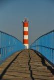 Φάρος στο τέλος της γέφυρας Στοκ Εικόνες