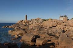 Φάρος Cote de Granit Rose, Ploumanach Στοκ φωτογραφίες με δικαίωμα ελεύθερης χρήσης