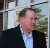 Φέρελπις πρόεδρος, προσωπικότητα και πρώην κυβερνήτης Mike Huckabee, αγρόκτημα πιτσών, Waukee, Αϊόβα TV αλεπούδων του Αρκάνσας, σ Στοκ Εικόνες