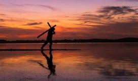Φέρτε το σταυρό σας Στοκ φωτογραφίες με δικαίωμα ελεύθερης χρήσης