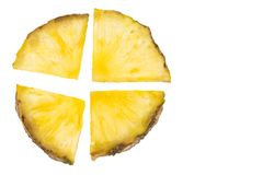 Φέτα ανανά που απομονώνεται στο άσπρο υπόβαθρο Στοκ Φωτογραφίες