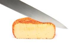 φέτα μαχαιριών αποκοπών τυρ Στοκ εικόνα με δικαίωμα ελεύθερης χρήσης