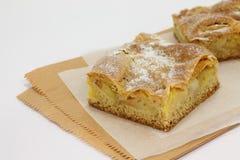 Φέτα μιας πίτας μήλων Στοκ Εικόνες