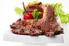 φέτα πιάτων κρέατος βόειου Στοκ φωτογραφία με δικαίωμα ελεύθερης χρήσης
