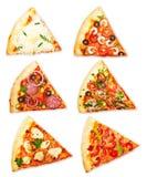 Φέτα πιτσών με τα διαφορετικά καλύμματα Στοκ Φωτογραφία
