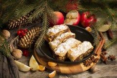 Φέτα της διακόσμησης Χριστουγέννων της Apple strudeland Στοκ φωτογραφίες με δικαίωμα ελεύθερης χρήσης