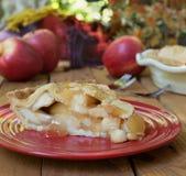 Φέτα της φρέσκιας πίτας της Apple Στοκ Εικόνα