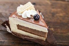 Φέτα του κέικ με τα βακκίνια Στοκ Φωτογραφία