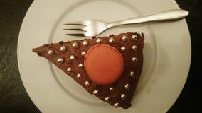 Φέτα του κέικ φραουλών macaron Στοκ εικόνες με δικαίωμα ελεύθερης χρήσης