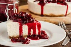 Φέτα cheesecake κερασιών Στοκ φωτογραφία με δικαίωμα ελεύθερης χρήσης