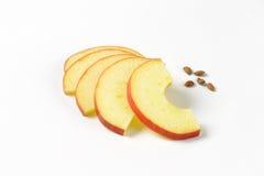 Φέτες και σπόροι της Apple Στοκ Εικόνες