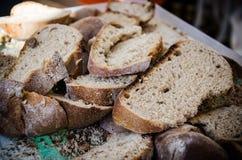 Φέτες του φυσικού ψωμιού Στοκ Φωτογραφίες