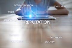 Φήμη και επιχείρηση σχέσης πελατών cocnept στην εικονική οθόνη Στοκ φωτογραφία με δικαίωμα ελεύθερης χρήσης