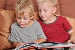 φίλοι βιβλίων Στοκ Εικόνες