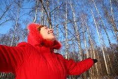φαίνεται νεολαία γυναικών ουρανού Στοκ φωτογραφίες με δικαίωμα ελεύθερης χρήσης