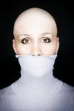 φαλακρή γυναίκα turtleneck στοκ εικόνες
