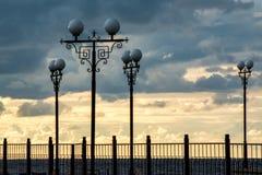 Φανάρια και σύννεφα σφαιρών Στοκ φωτογραφία με δικαίωμα ελεύθερης χρήσης