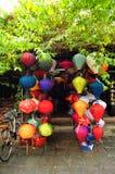Φανάρια Handcrafted στην αρχαία πόλη Hoi, Βιετνάμ Στοκ Εικόνες