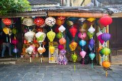 Φανάρια Handcrafted στην αρχαία πόλη Hoian, Βιετνάμ Στοκ Φωτογραφίες