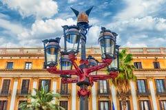 Φανάρι από το Antoni Gaudi σε Placa Reial, Βαρκελώνη, Καταλωνία, SP Στοκ Εικόνες