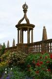 Φανάρι στο κιγκλίδωμα, σπίτι Montacute, Somerset, Αγγλία Στοκ Φωτογραφίες