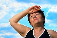 φανείτε γυναίκα ουρανού Στοκ εικόνα με δικαίωμα ελεύθερης χρήσης