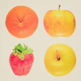 Φανείτε φρούτα που απομονώνονται αναδρομικός Στοκ Εικόνα
