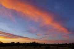 Φανταστικά ζωηρόχρωμος ουρανός μετά από το ηλιοβασίλεμα στοκ φωτογραφία με δικαίωμα ελεύθερης χρήσης