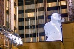 Φανταστική εγκατάσταση πλανητών στο διηπειρωτικό ξενοδοχείο από τη Amanda Parer κατά τη διάρκεια του ελαφριού φεστιβάλ 2016 σημάτ Στοκ Εικόνες