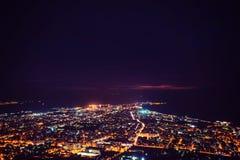 Φανταστική εναέρια άποψη της πόλης που φωτίζεται με τα φω'τα θέση Στοκ φωτογραφία με δικαίωμα ελεύθερης χρήσης