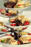 Φανταχτερά κέικ σε μια στάση κέικ Στοκ φωτογραφία με δικαίωμα ελεύθερης χρήσης