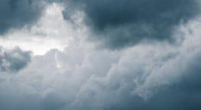 Φανταχτερά σύννεφα Στοκ φωτογραφία με δικαίωμα ελεύθερης χρήσης