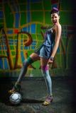 Φανταχτερό κορίτσι ποδοσφαίρου Στοκ φωτογραφία με δικαίωμα ελεύθερης χρήσης
