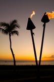 φανός tiki ηλιοβασιλέματος φοινικών Στοκ Εικόνες