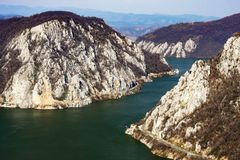 Φαράγγια Δούναβη - οι μικροί λέβητες - Cazanele Mici - δείτε από το CI στοκ εικόνα