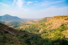 Φαράγγια κοιλάδων βουνών λόφων, misty τοπίο σε Madhya Pradesh, Ινδία στοκ φωτογραφίες με δικαίωμα ελεύθερης χρήσης