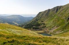 Φαράγγι βουνών με το γλυκό νερό Στοκ Εικόνες