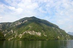 Φαράγγι βουνών της Tara και ποταμών της Drina Στοκ Εικόνες