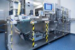 Φαρμακευτικός εξοπλισμός εργοστασίων στο αποστειρωμένο περιβάλλον στοκ φωτογραφίες με δικαίωμα ελεύθερης χρήσης